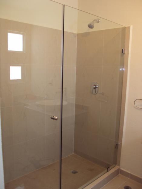1267576959 21122184 7 ventanas canceleria y puertas de for Puertas de aluminio para bano
