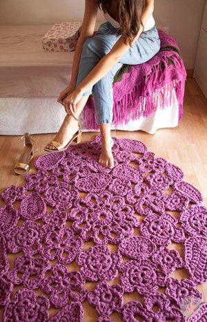 Alfombra modelo Autumn leaf en púrpura de 1 metro de por SusiMiu