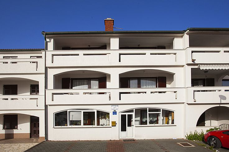 Apartmány Frida, Baška, ostrov Krk, Chorvatsko: http://www.novalja.cz/chorvatsko/letoviska/letovisko-ostrov-krk-baska/apartmany-frida/