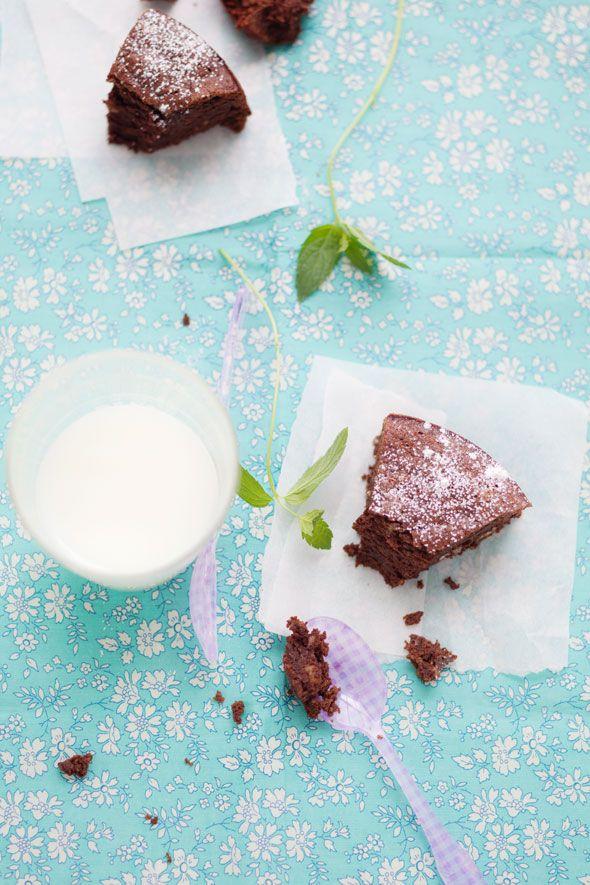 torta cioccolato e nocciole senza burro / chocolate and hazelnuts cake without butter