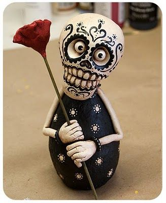 Day of the Dead artwork... made from papier-maché and paperclay. ( inspiration for gourds?)