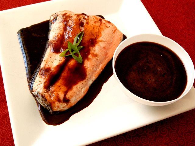 Amo comida japonesa, mas aprendi a comer hot roll e salmão skin por causa do molho tarê; na minha opinião, um dos sabores mais interessantes da culinária oriental. Outro dia uma senhora conversadei…