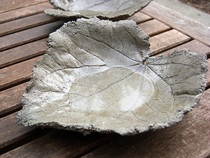 How to make cement leaf castings - bird bath? Leaf double sided so it looks good top & bottom.