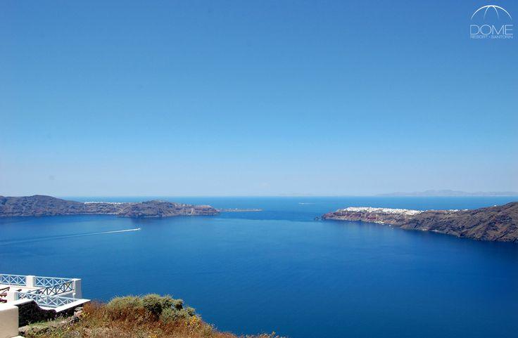 Imerovigli is a picturesque settlement in Santorini, offering exquisite views to the Aegean! domesantoriniresort.gr