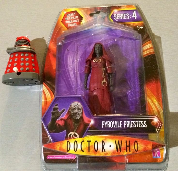 """Doctor Who 5"""" Pyrovile Priestess with loose robot figure"""