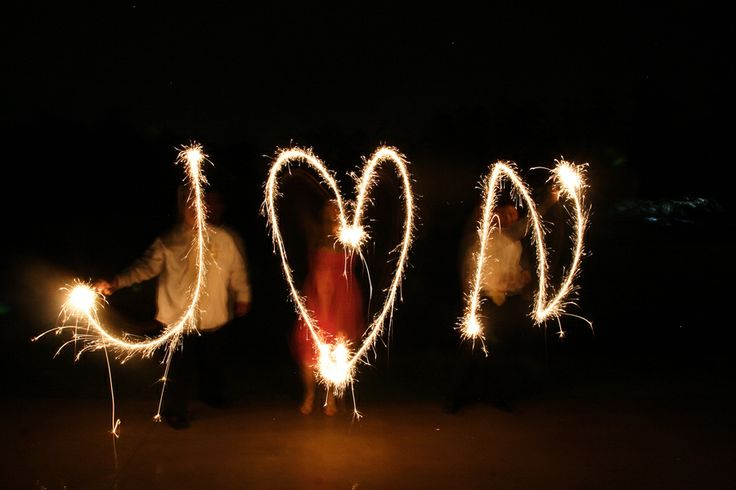 sparkler idea: Photo Ideas, Sparklers Photoshoot, Wedding Photo, Sparklers Ideas, Lights Ideas, Diy Wedding