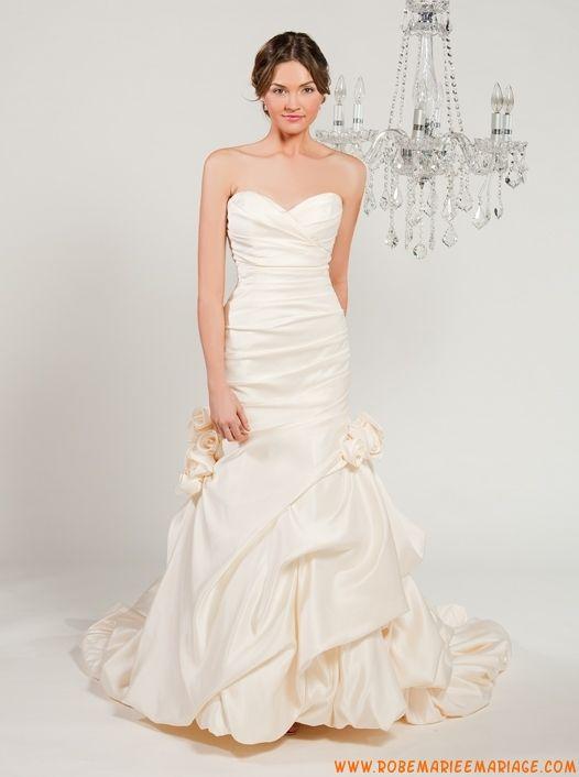 Robe sirène en satin ornée de plis et de fleurs robe de mariée couture