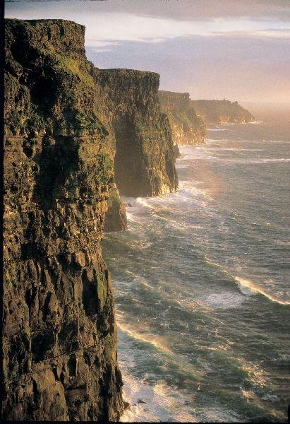 #lieberDschinni  Bitte erfülle mir meinen Traum einmal nach Irland reisen zu können mit meinem Freund. Wir werden beide nächstes Jahr 30 und das wäre ein super Geschenk. Danke #lieberDschinni