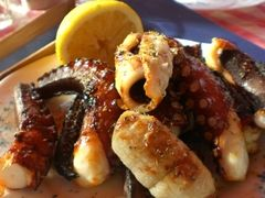 Recette de Poulpe grillé au barbecue à la grecque