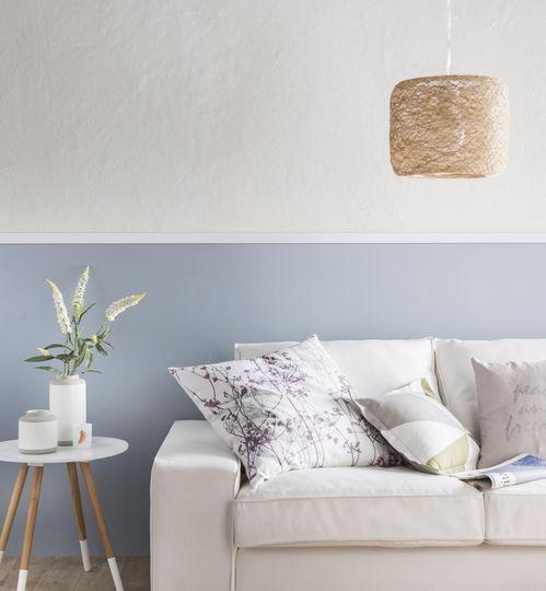 Ambiance zen dans le salon en bleu et sable - Plus de 30 couleurs pour repeindre votre salon - CôtéMaison.fr