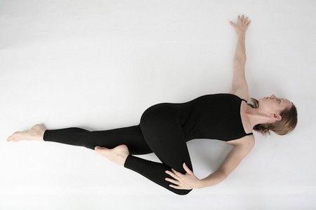 yoga torsione Fonte foto: sacurrent.com