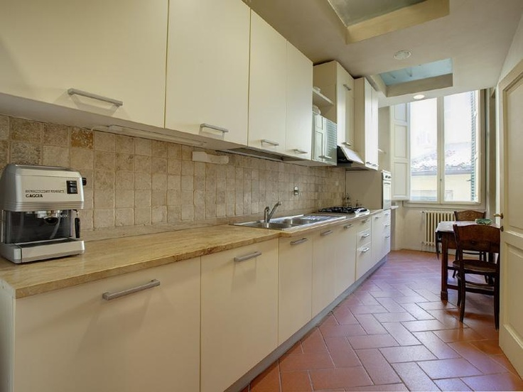 Florence Tuscany Apartment in Italy sleeps 4 pax with Maid service