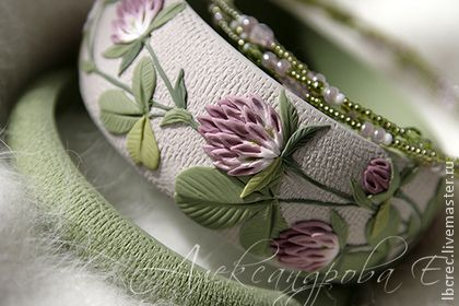 """Комплект браслетов """"Клевер"""" - клевер,цветочный,зелёный,авокадо,прохладный"""