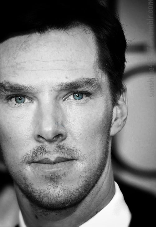 Good god y'all...this man is beautiful. Especially with facial hair! *faints ded away * Benedict Cumberbatch