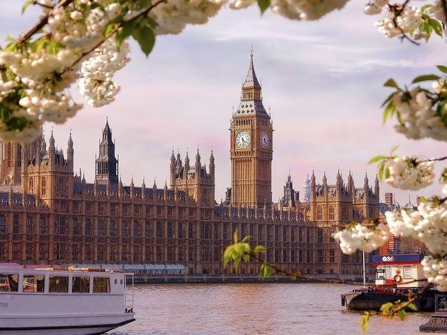Великобритания согласна разместить у себя ядерные ракеты США