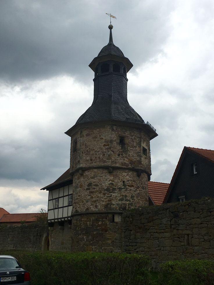Hexenturm - direkt neben dem Stellplatz