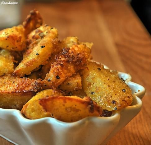 Knusprige Knoblauch-Kartoffeln - Rezept - kochbar.de