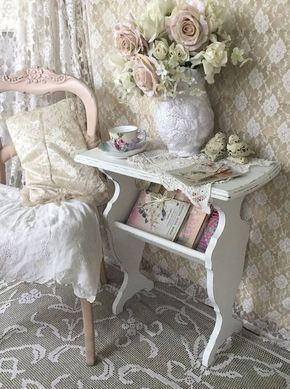 Adorable 90 Romantic Shabby Chic Bedroom Decor and Furniture Inspirations https://decorapatio.com/2017/06/16/90-romantic-shabby-chic-bedroom-decor-furniture-inspirations/ #shabbychicfurniture #RomanticHomeDécor,