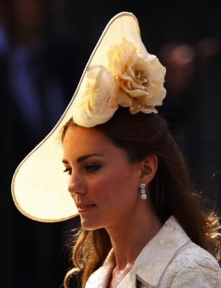 Fascinating Fascinator on Kate Middleton. Makes me amped for the Kentucky Derby