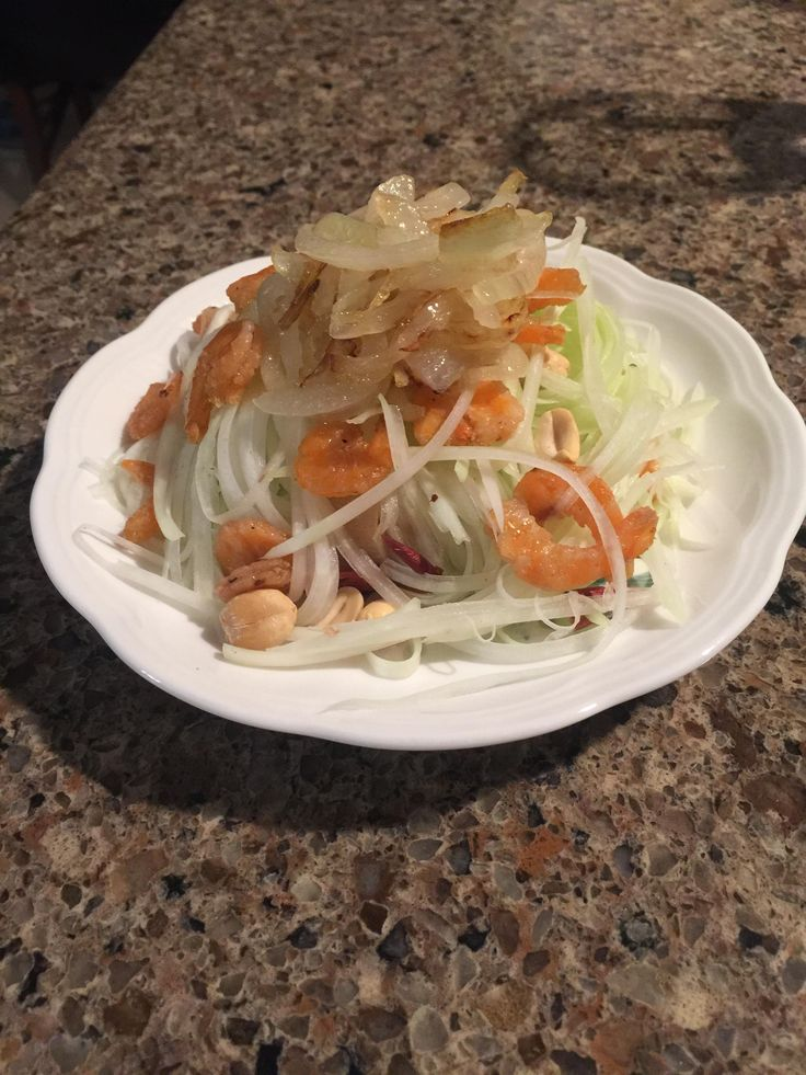 [Homemade] Green Papaya Salad w/ Sauteed Dried Shrimp and Caramelized Onions