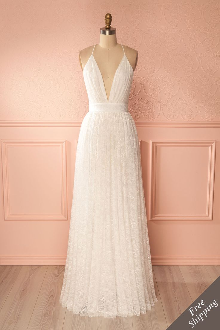 Tainara #Boutique1861 / White lace low-cut bridal gown, a stunning dress for your big day. #weddingdresses #lace