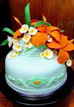 In questa sezione potrai trovare alcune immagini ed articoli delle mie creazioni in pasta di zucchero, come torte, cupcakes e biscotti decorati