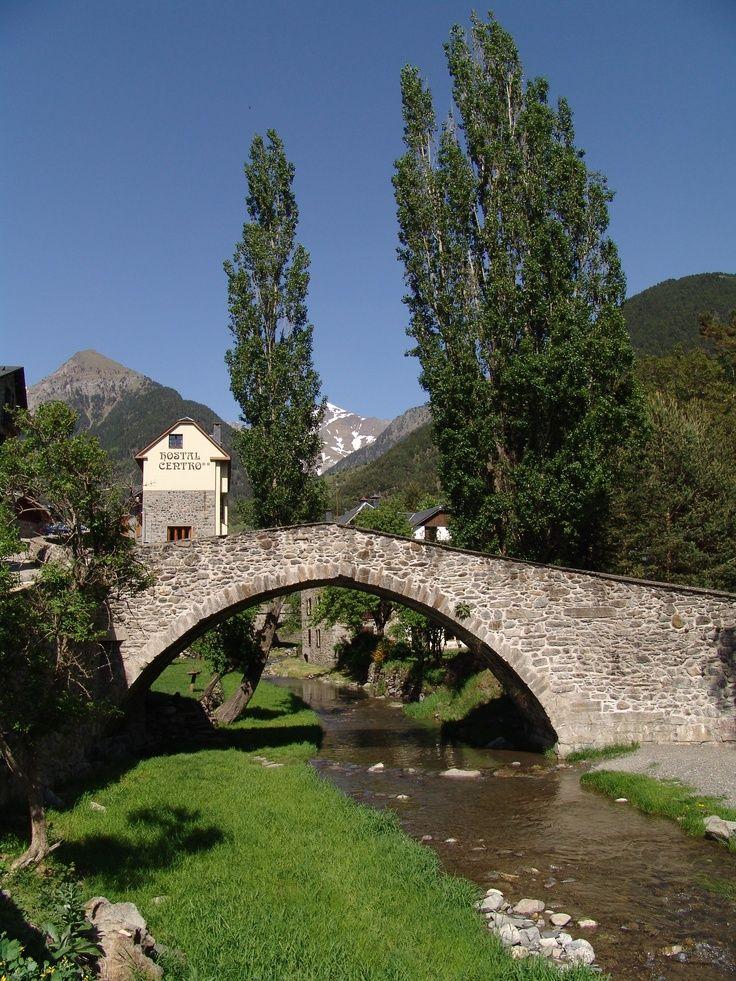 rio aguas limpias a su paso por sallen de galligo