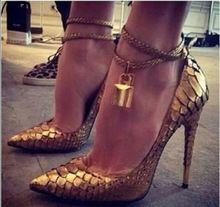 Hot vente femmes chaussures de mariage Sexy serpent dames talons hauts cheville bretelles en métal de