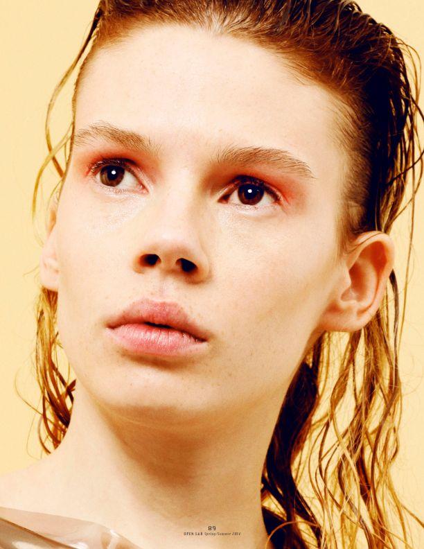 Julia Zimmer by Nicole Maria Winkler - photography Georgia Pendlebury - fashion Swann Amdéo - assistant - APRIL 2014