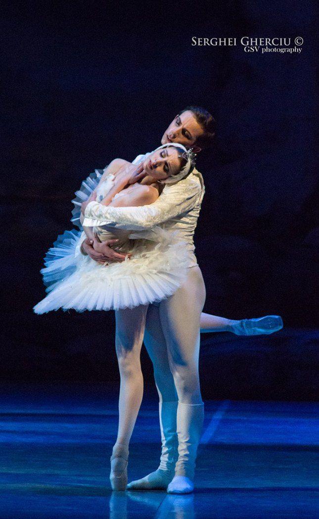 "Alina Nanu and Adam Zvonar, ""Swan Lake"", Czech National Ballet"