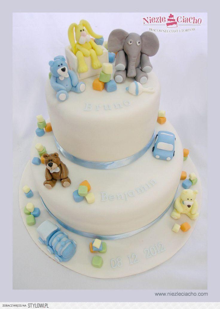 Biały tort piętrowy, piętrowy tort na chrzciny, tort chrzcielny, tort z okazji chrztu św., chrzest św., zwierzątka na torcie, Tarnów
