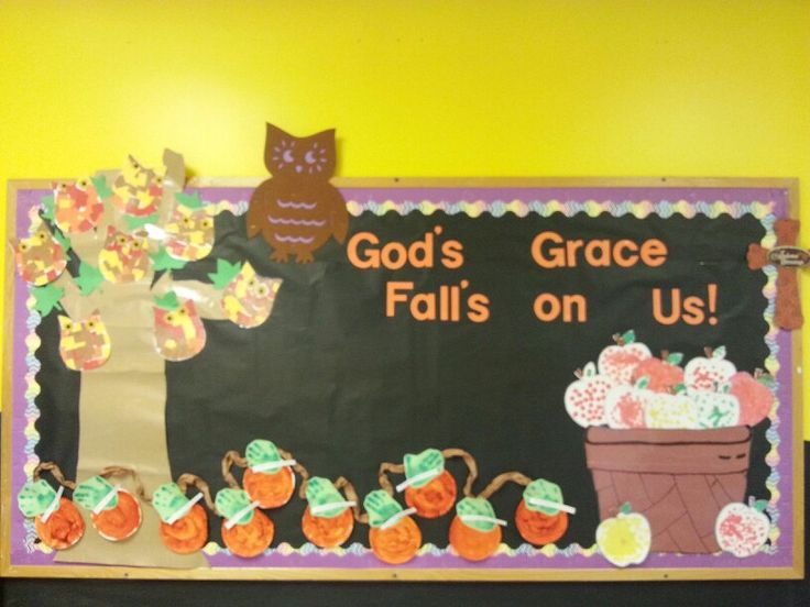 Fall bullentin board  There shouldn't be an apostrophe with falls...but a good bb