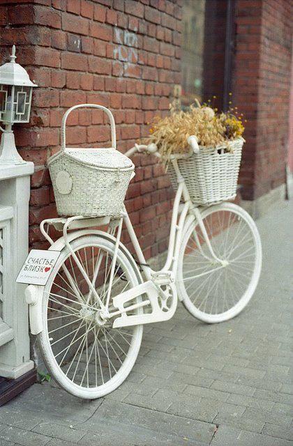 Pintar bicicleta blanca para decorar