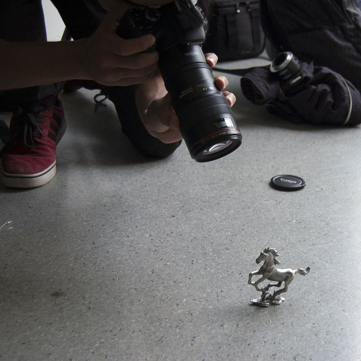 At my photography course today. Learning photography, sunlight is the best light for photos, fellow student, camera envy.