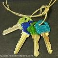 glitter keys to tell them apart? yespelase!