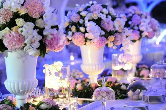 Nuvole di ortensie rose e orchidee....  Villa ebla eventi caserta