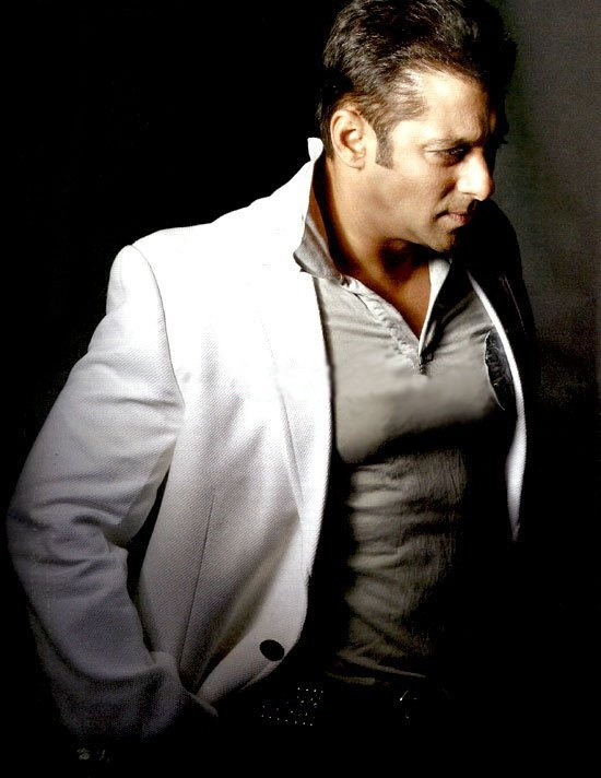 Salman Khan Appeared As The Host For Bigg Boss Season 5 And We Have To Say Sallus Magic Worked On TV Too
