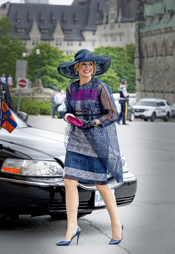 Máxima de Holanda marca estilo en Canadá