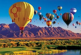 The world's largest hot air balloon festival, the Albuquerque International Balloon Fiesta occurs each October when more than 600 balloons can be seen in the sky at a time.