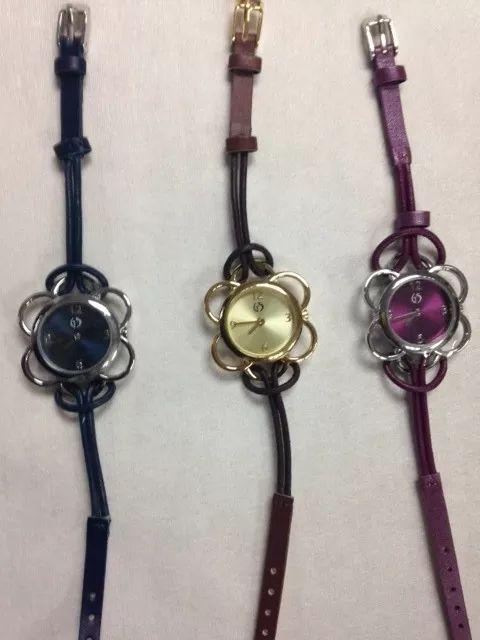 reloj-flor-22238-MLC20227128548_012015-F.webp (480×640)