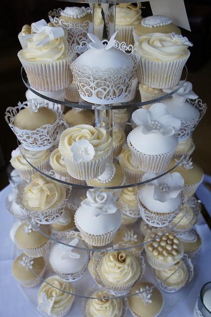 Vintage Cupcakes Tower by Cupcakes By Lisa, via Flickr