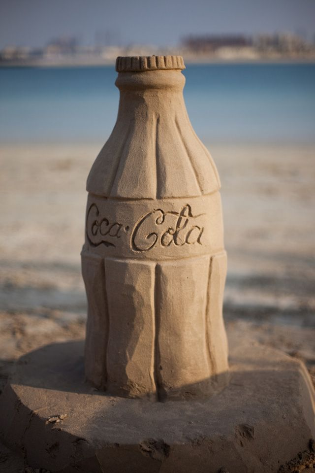 Coca-Cola #ShareaCokeContest  COCA-COLA-sand-sculpture