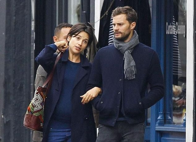 jamie dornan et amelia warner en froid cause de 50 nuances plus sombres fifty shades darker. Black Bedroom Furniture Sets. Home Design Ideas