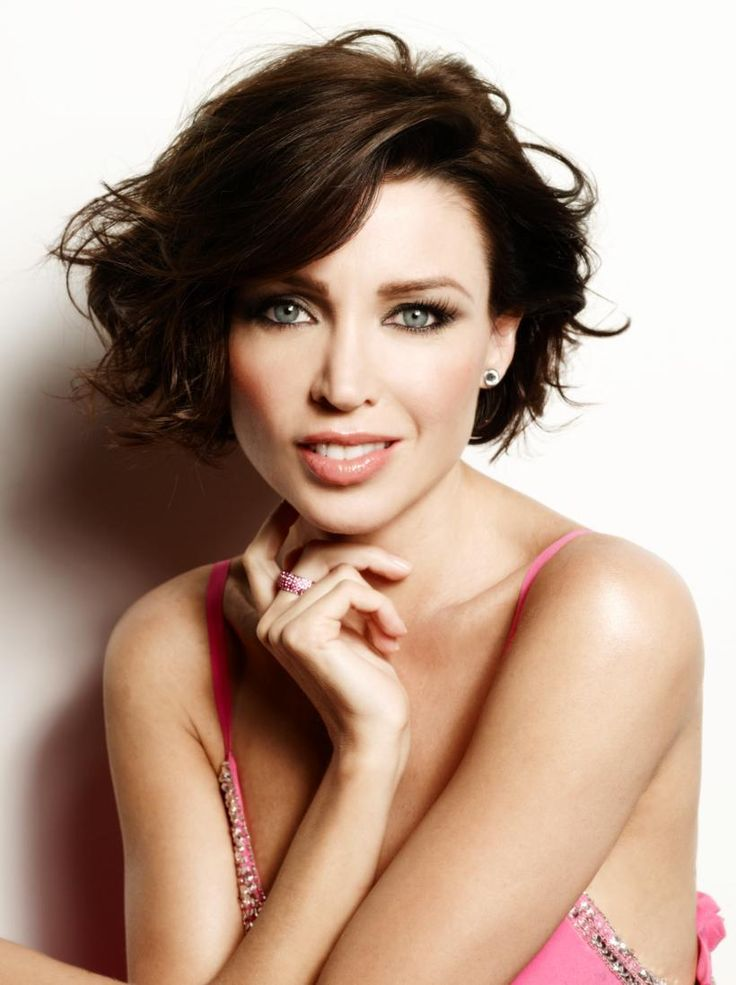 Dannii Minogue - short brunette wavy hair