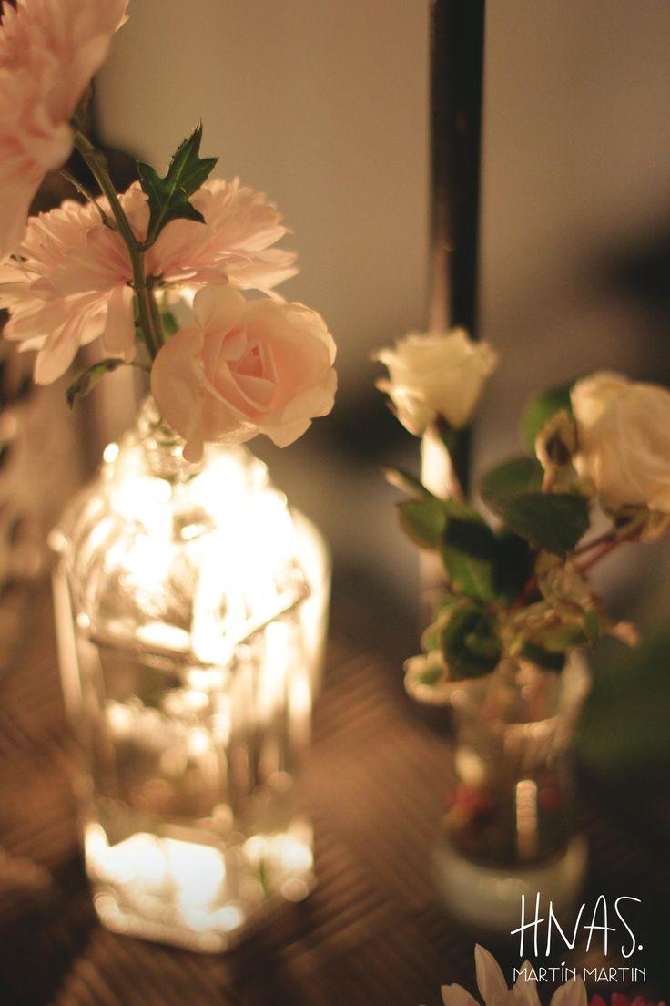 casamiento, decoración, ambientación, Lowlands, alicia en el país de las maravillas wedding decor, alice in wonderland, escalera con botellitas, flores y velas