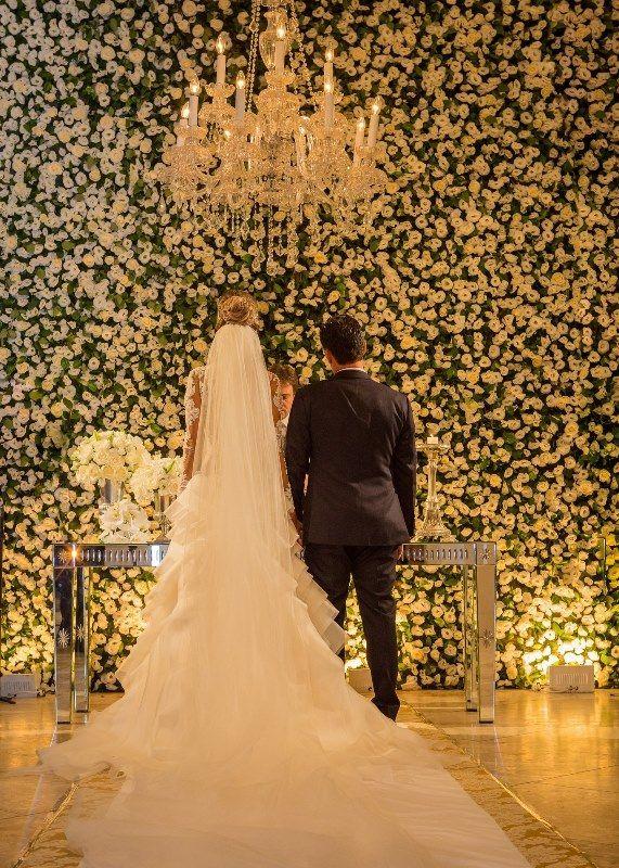 Noivos no altar - Casamento Rafaelle Ruhle e Thiago Marques