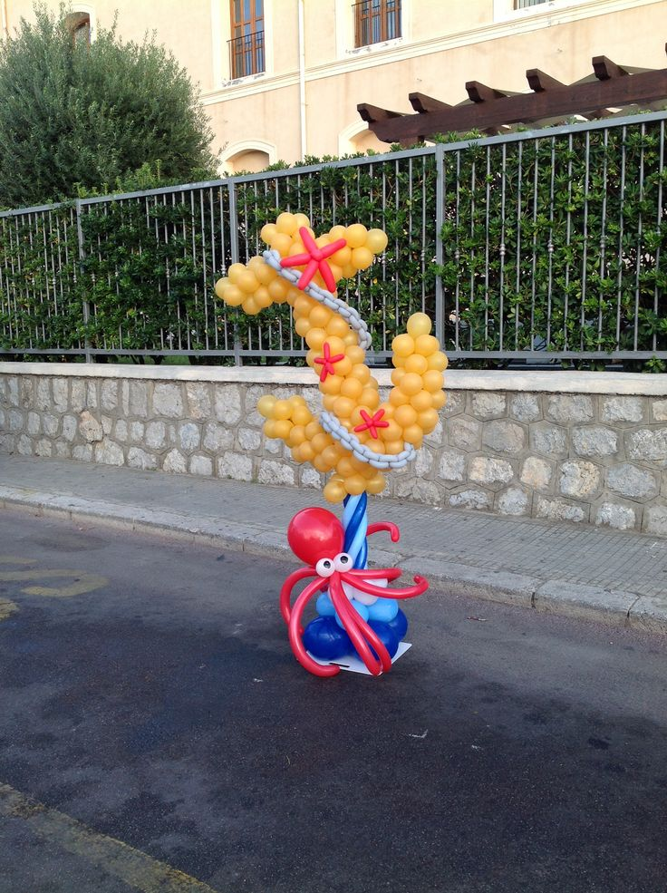 """That's quite an unusual """"Under the Sea"""" themed decor... a balloon anchor."""