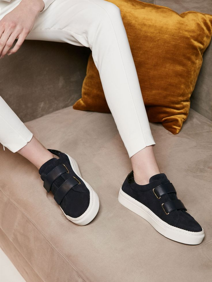 Autumn winter 2016 Women´s NAVY BLUE SPLIT SUEDE PLIMSOLLS at Massimo Dutti for 6490. Effortless elegance!