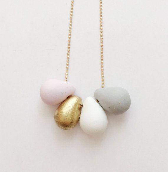 Mini lágrima collar joyas de arcilla de polímero por ClayandClasp