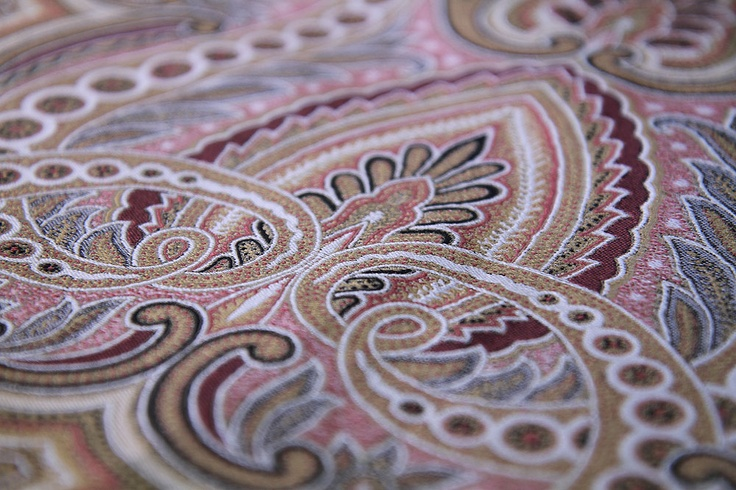 A couture-silk sample by Vanners Silk Weavers, Sudbury, England.  vanners.com